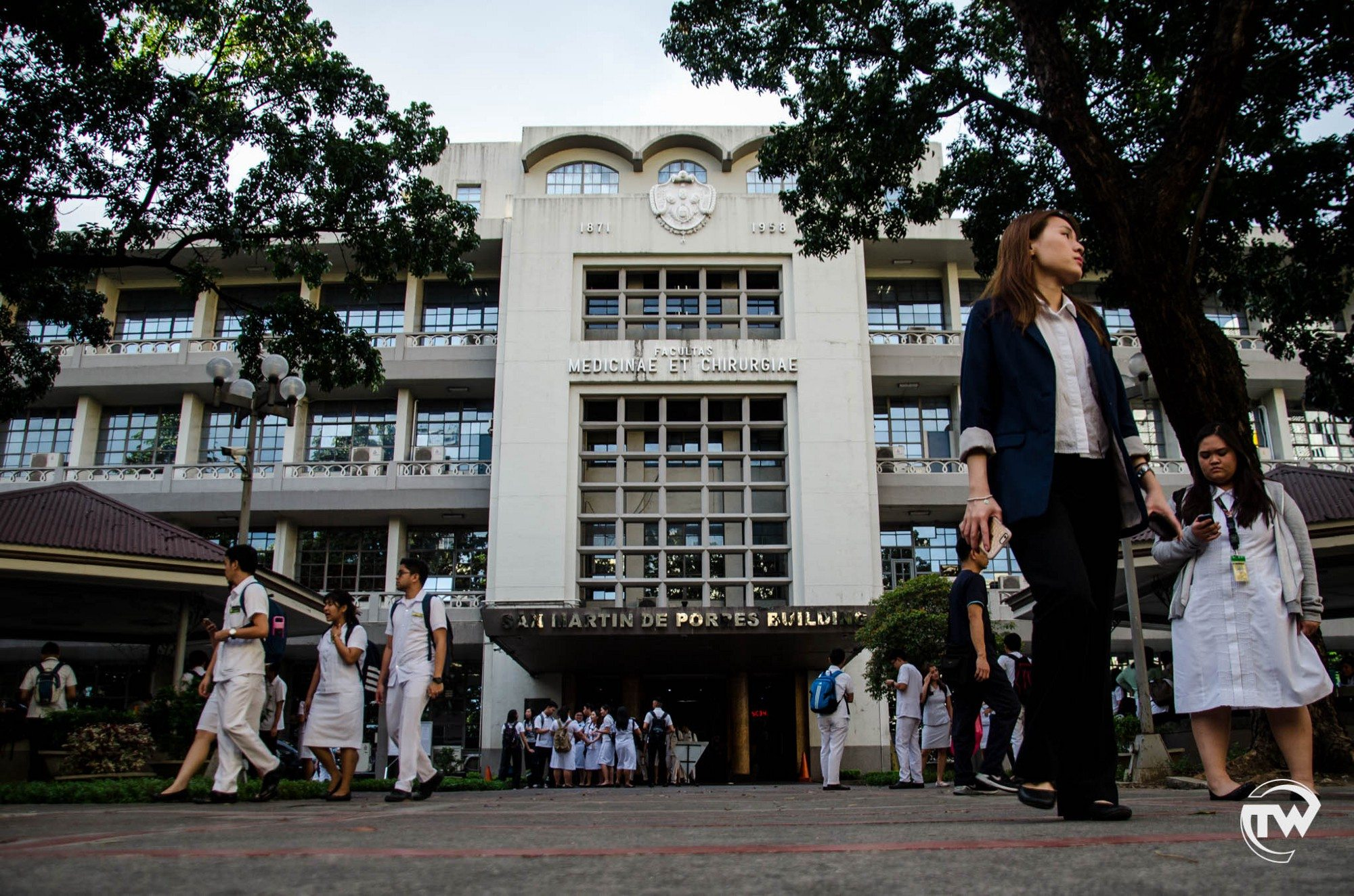 Ust Maintains Top Performing School Ranking In November 2017 Nursing Bosing Bulat The Faculty Of Medicine And Surgery Posted A 100 Percent Passing Rate With 12 Thomasians Landing 10 Highest Scorers